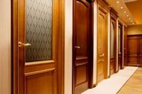 Антикварные старинные двери
