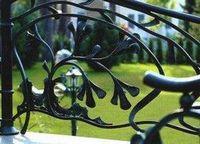 Ажурная вязь металла. изделия из кованого металла в ландшафтном дизайне.