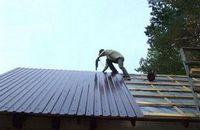Металлопрофиль на крышу: сложности выбора и особенности монтажа