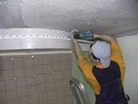 Особенности устройства натяжного потолка