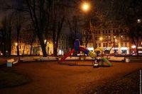 Петербуржцы любят свой город, но не очень хотят в нем жить.