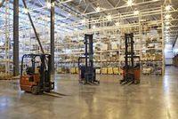 Погрузчики — незаменимое оборудование для работы в складах